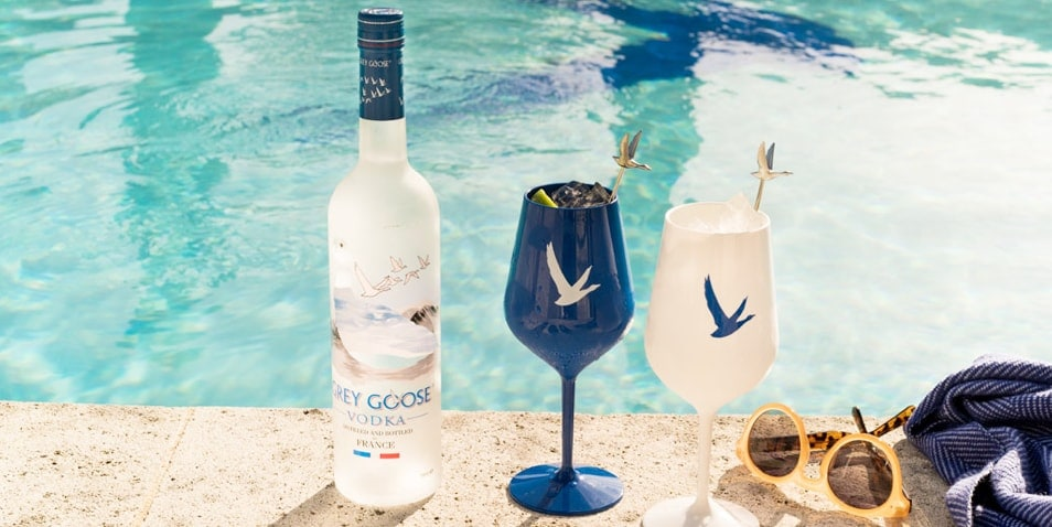 How many calories are there in GREY GOOSE Vodka?